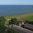 Zicht richting haven Edam, met dank aan Luchtfotografie Henk Breedland